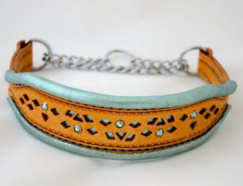 Filigreed Dog Collar With a Metallic Lambskin Rolled Edge